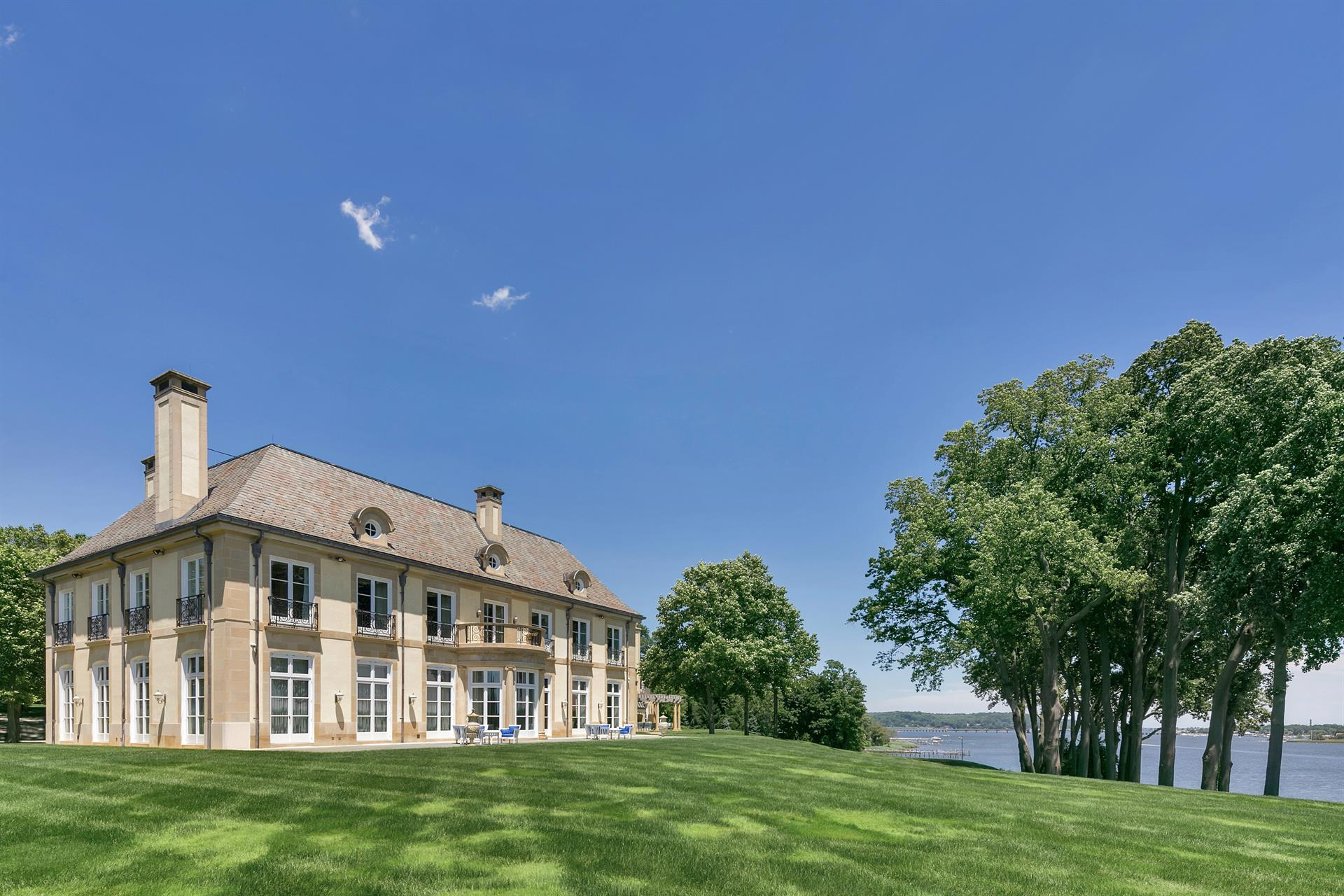 High Point Estate on the Navesink River