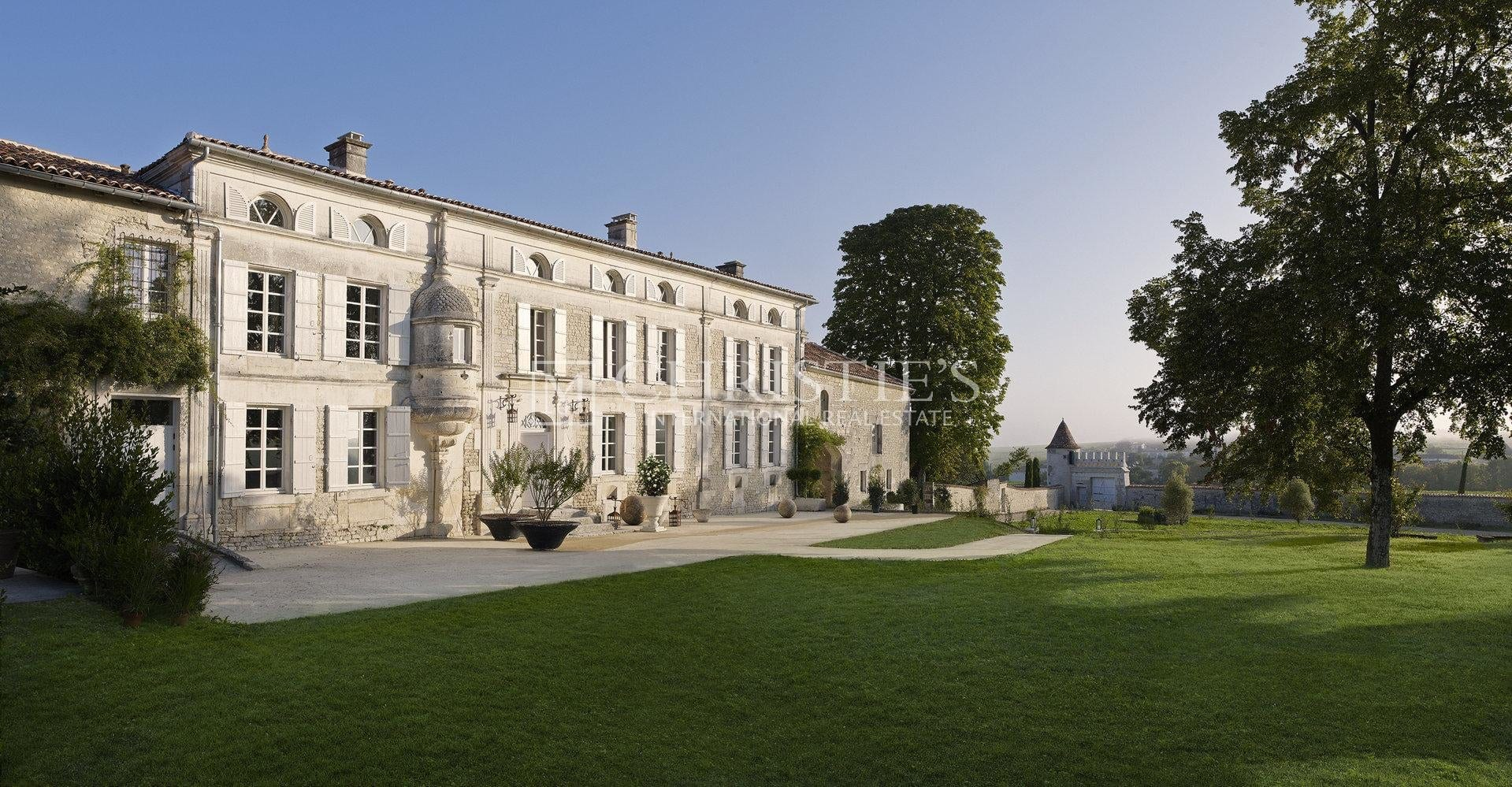 Prestigious Cognac Vineyard Estate